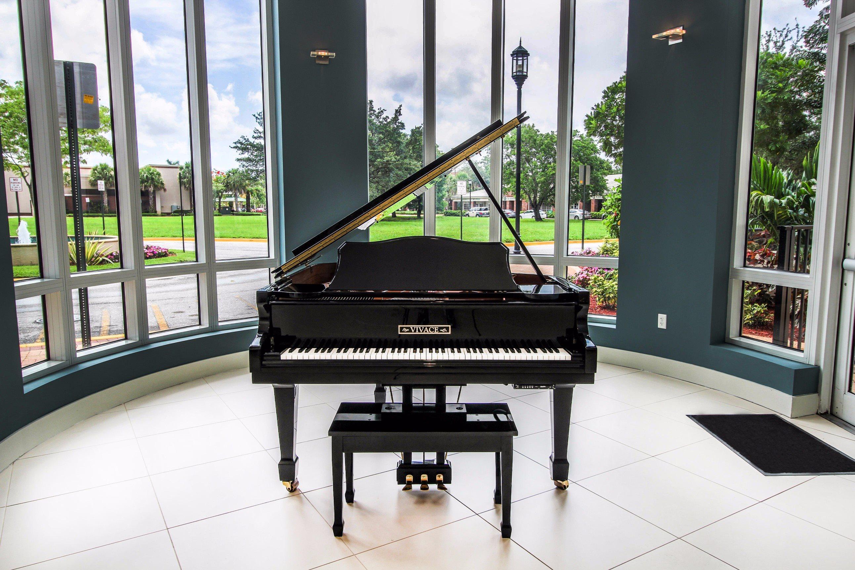 Midtown 24 Piano Room