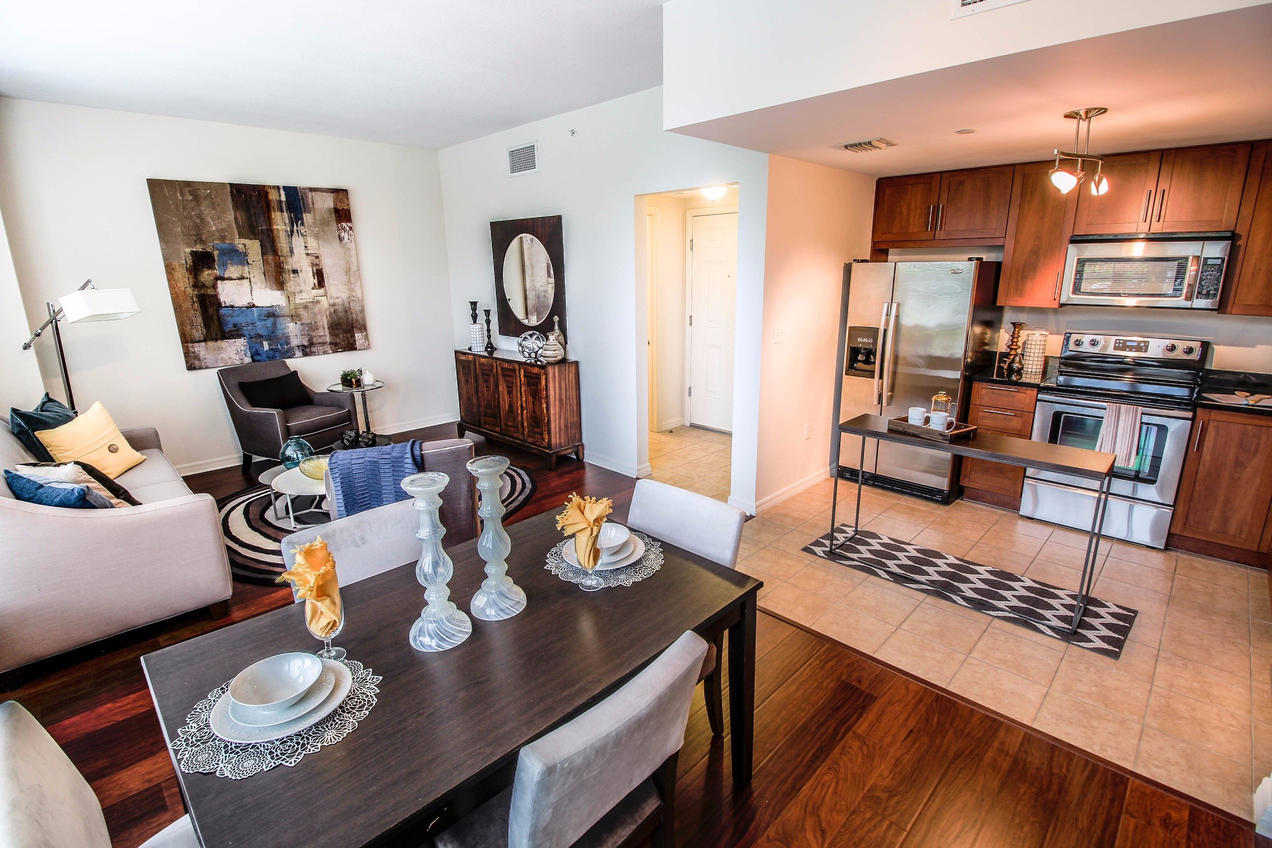 Midtown 24 Fully Equipped Kitchen and Dining Room