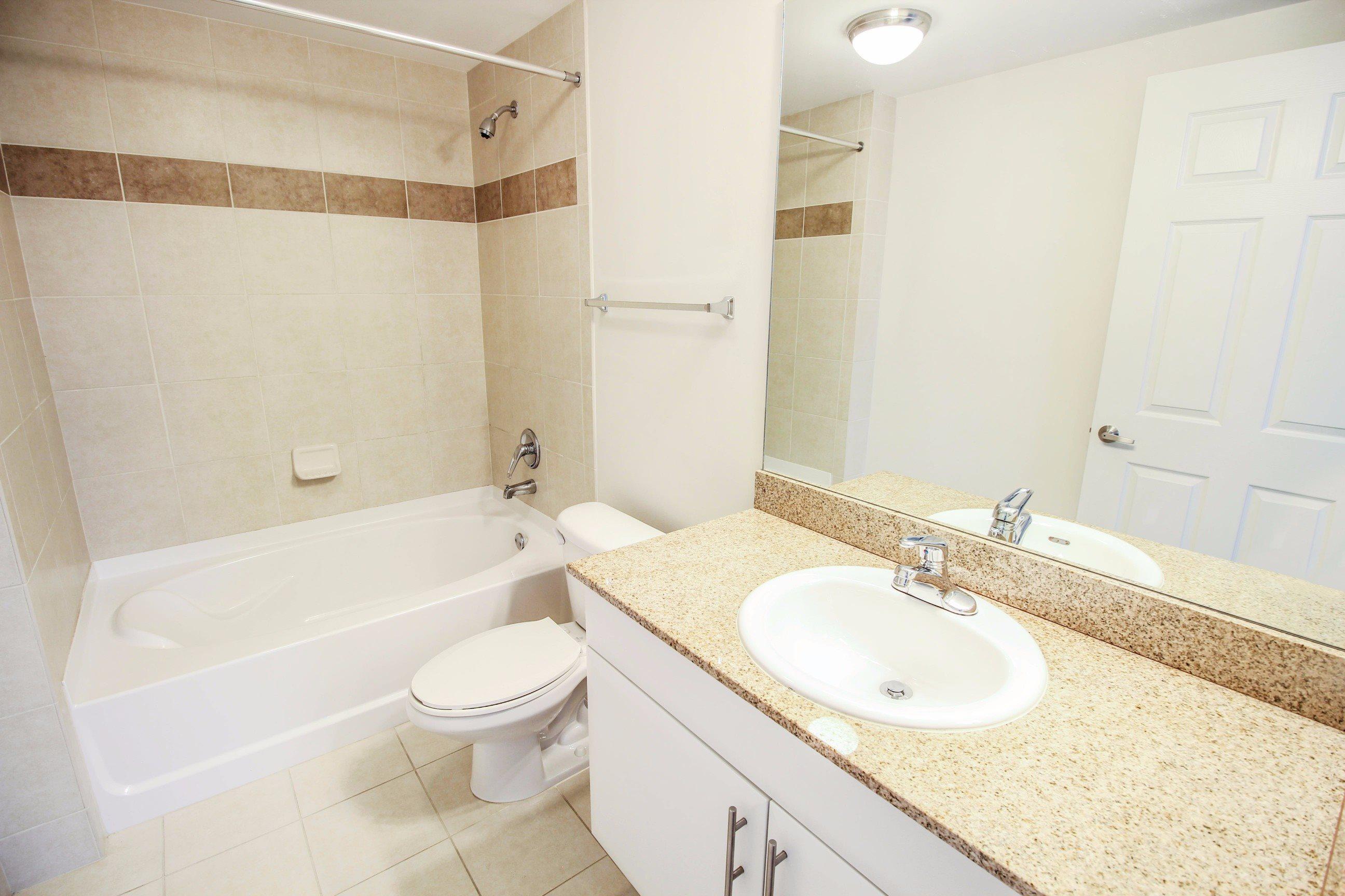 Midtown 24 Bathroom with Garden Tub