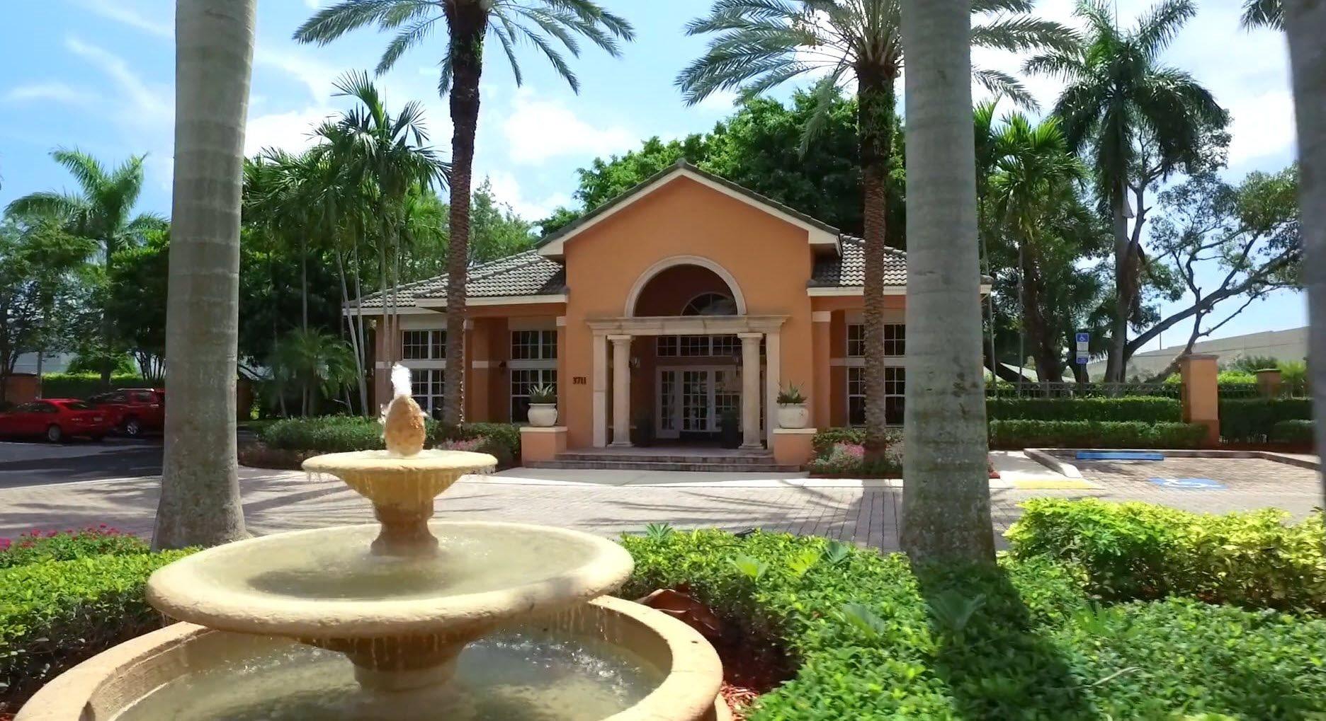 New River Cove Apartments in Davie, FL