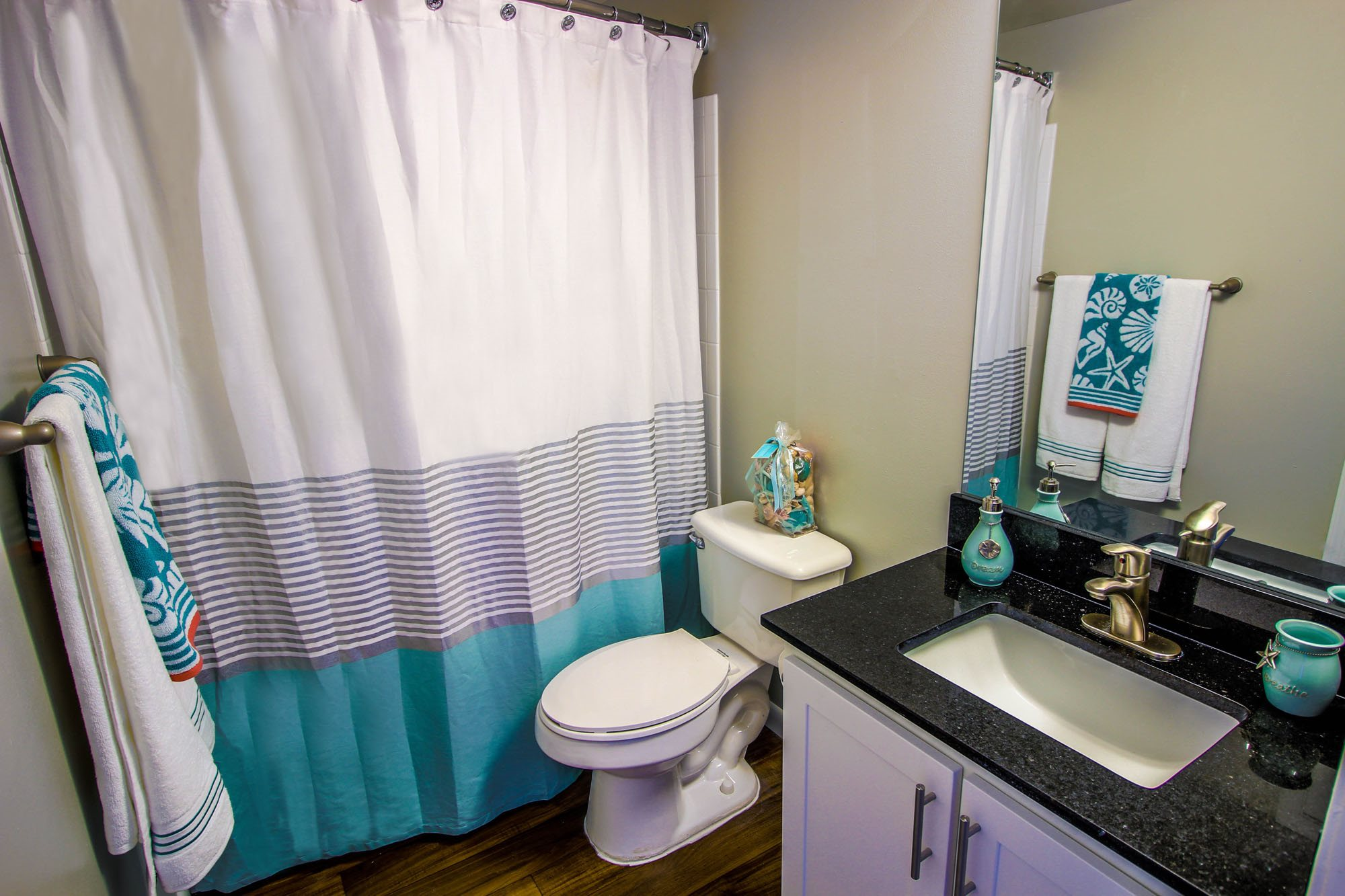 Deep Garden Soaker Tub at Oasis Delray Apartments, Delray Beach, 33484