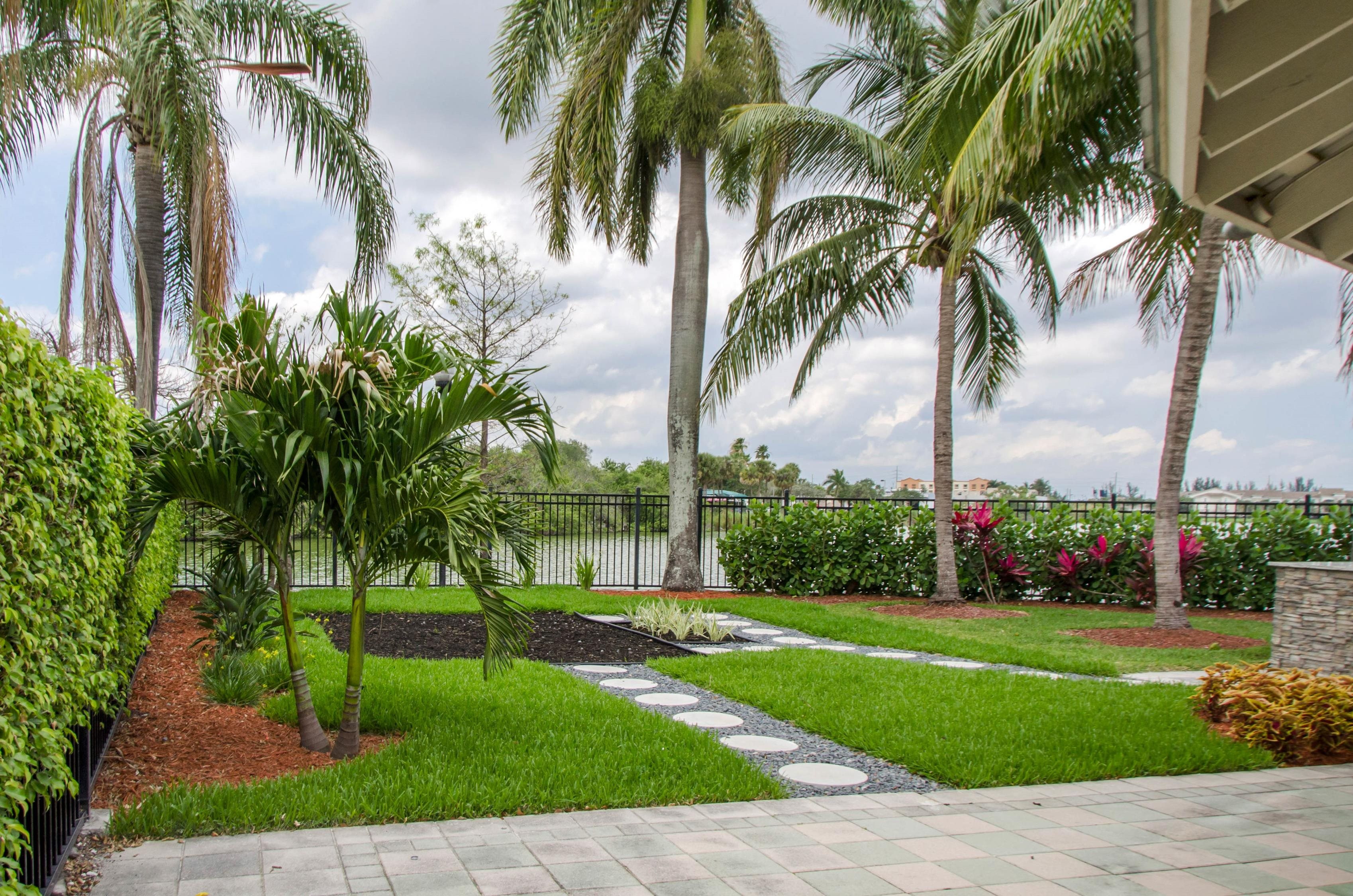 Apartments in Davie FL | Palm Trace Landings Apartments