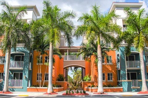 Red Road Commons Student Living in South Miami Florida