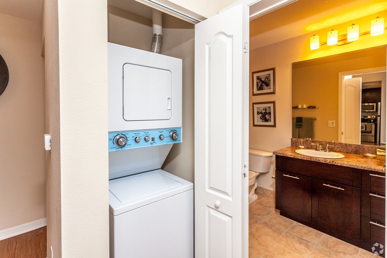 Red Road Commons Student Living Washer and Dryer Included, Kitchen Layout