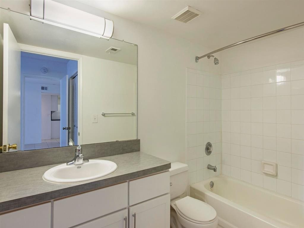 Sabal Pointe|Bathroom