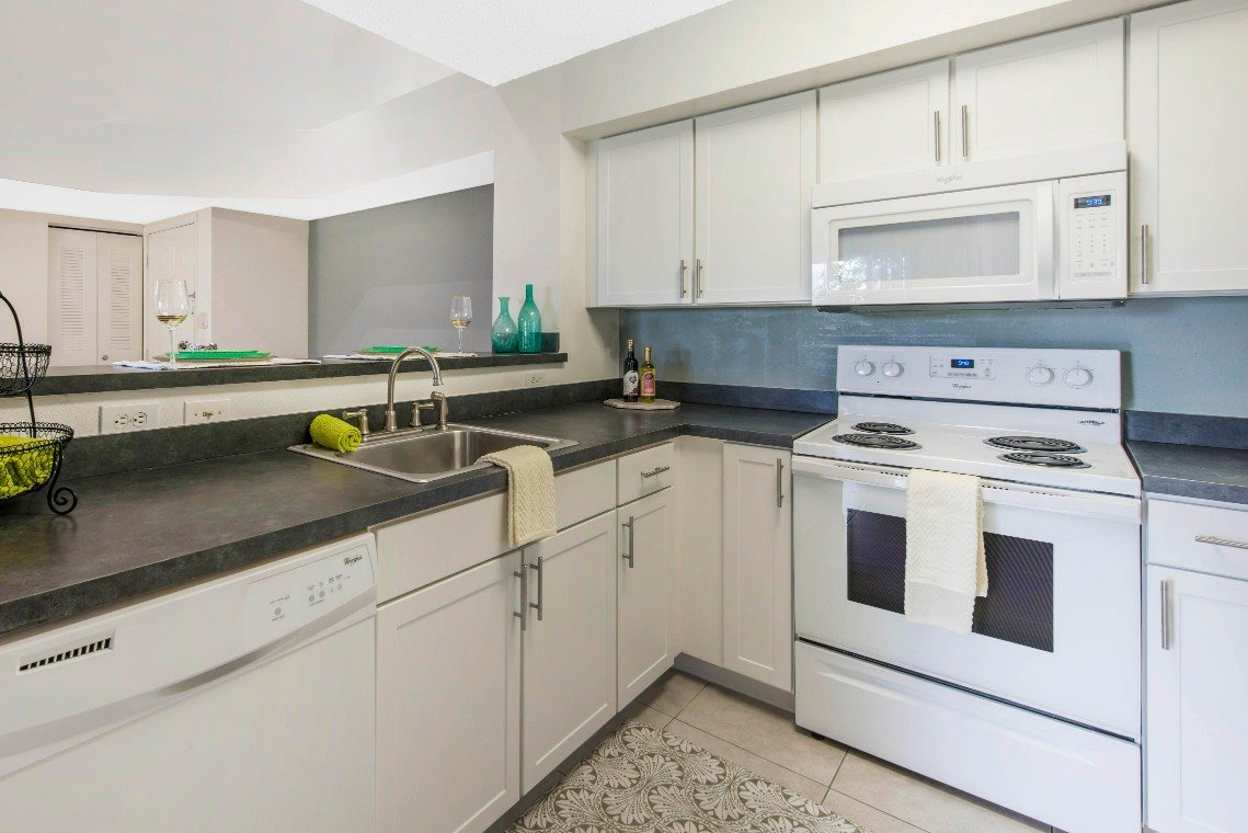 St. Andrews at Winston Park|Kitchen