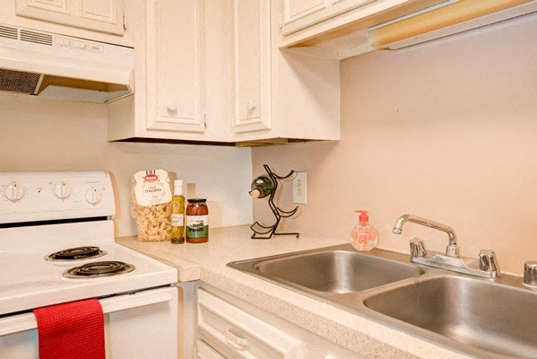 Kitchens With Double Stainless Steel Sink at Desert Creek, Albuquerque, NM 87107