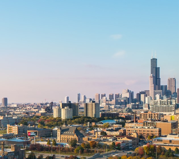 Vertical shot of Chicago Skyline views from Eden Commons