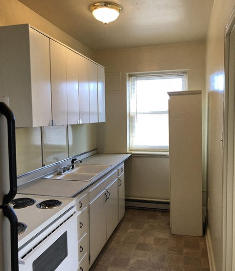 Kitchen at The Raleigh Apartments