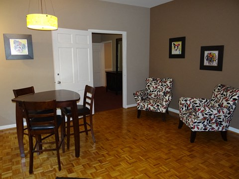 dining area at Wedgwood Apartments in Raleigh, NC