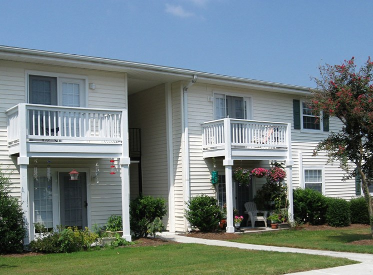 Canterbury Woods Apartments in Wilmington NC exterior