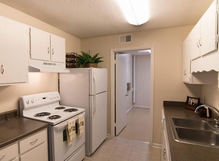 Canterbury Woods Apartments kitchen