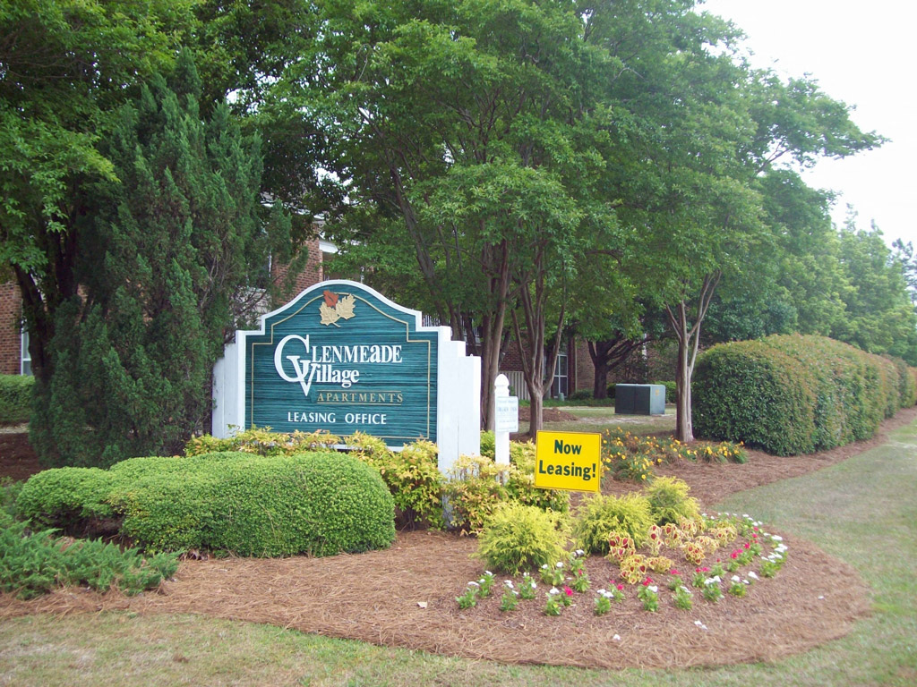 Glenmeade Village in Wilmington NC Sign