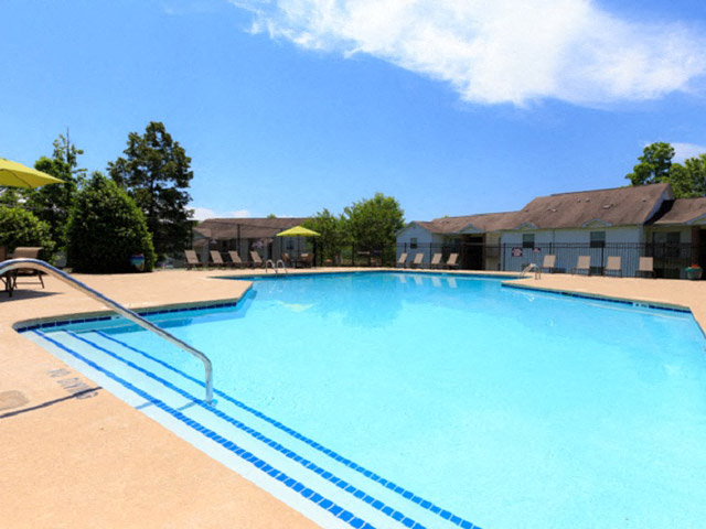 Laurens Way Apartments pool