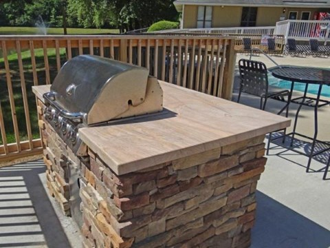 Grills at Pine Winds