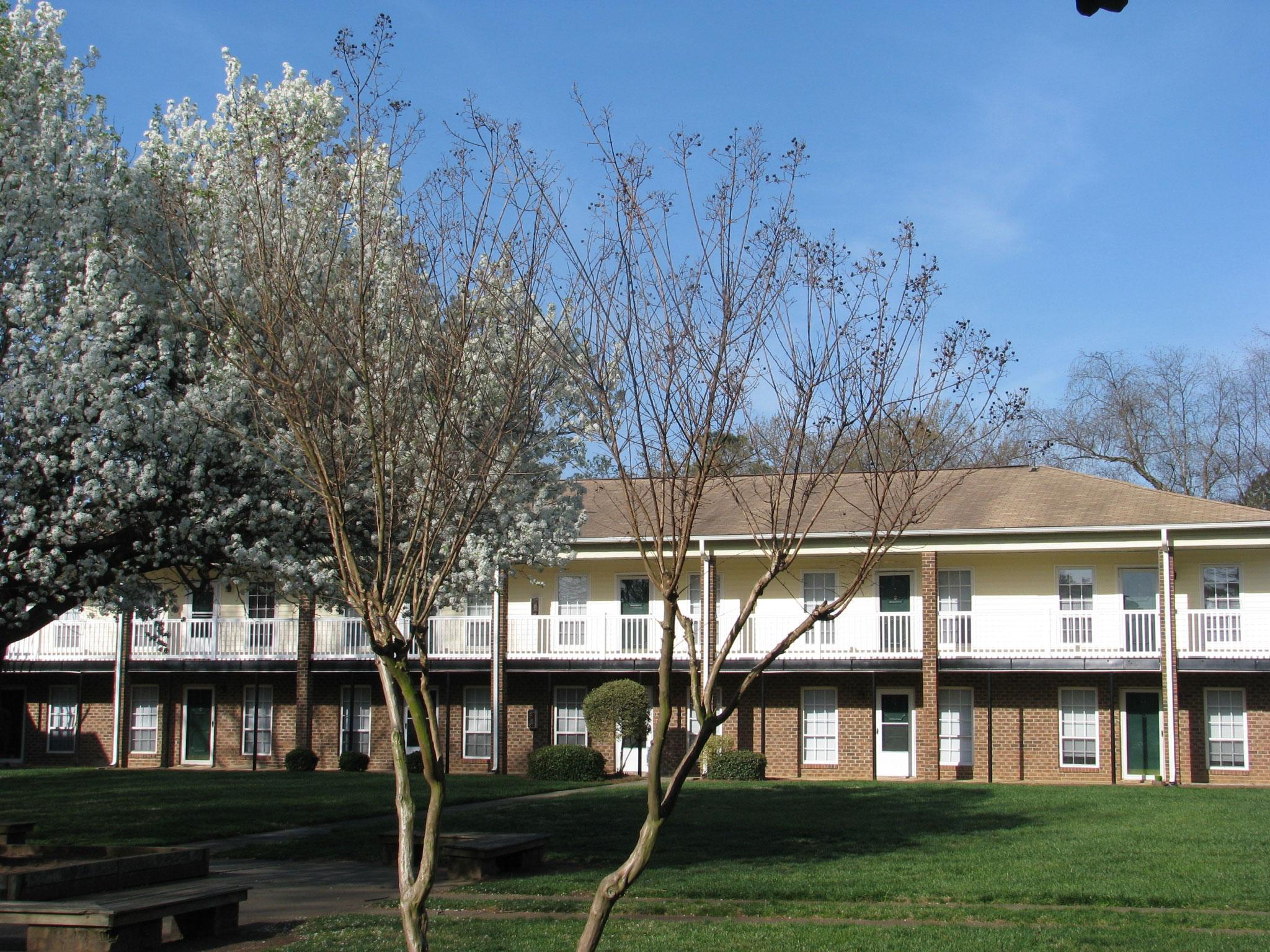 Quail Ridge Apartments Grounds