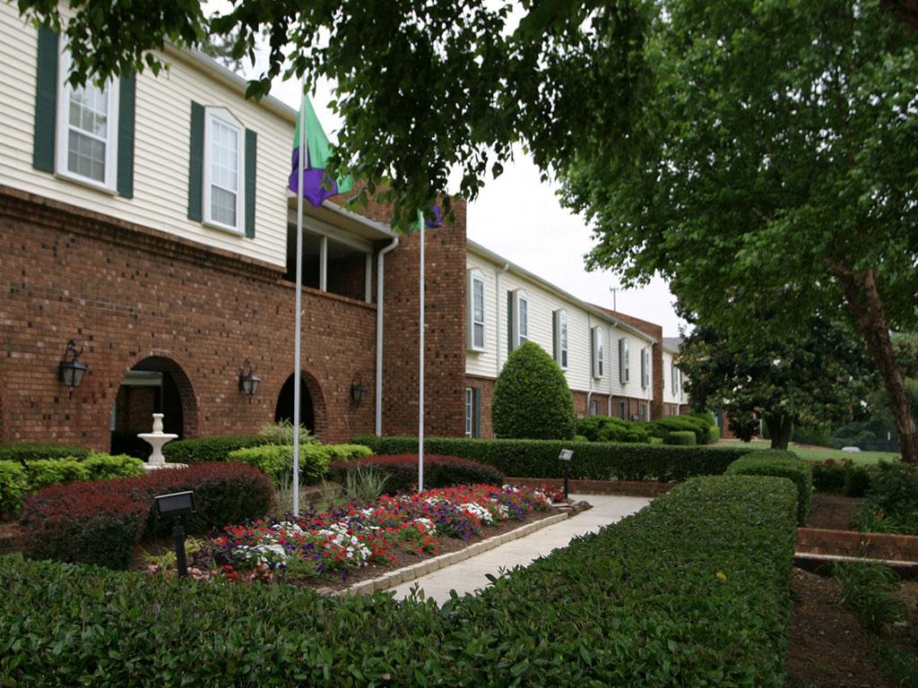 Quail Ridge Apartments exterior 1