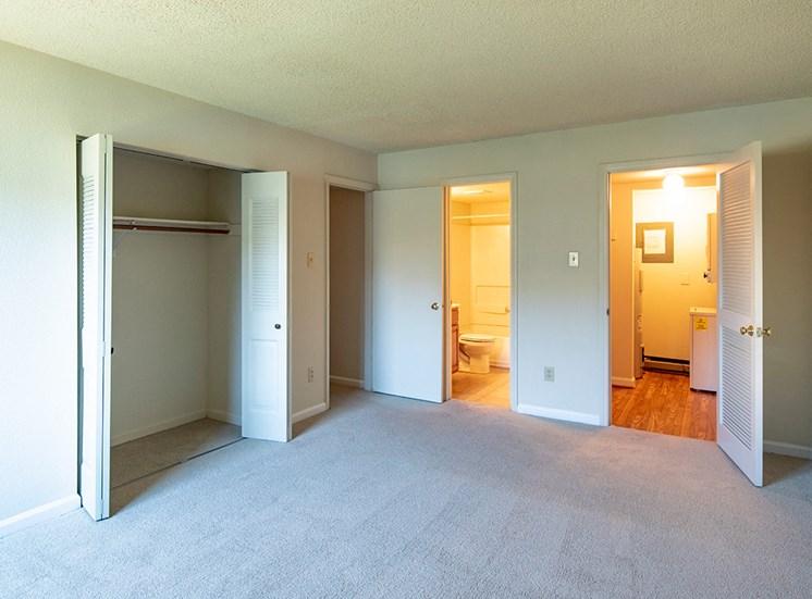 Lake Ridge Square Apartments in Ashland VA Interior 3