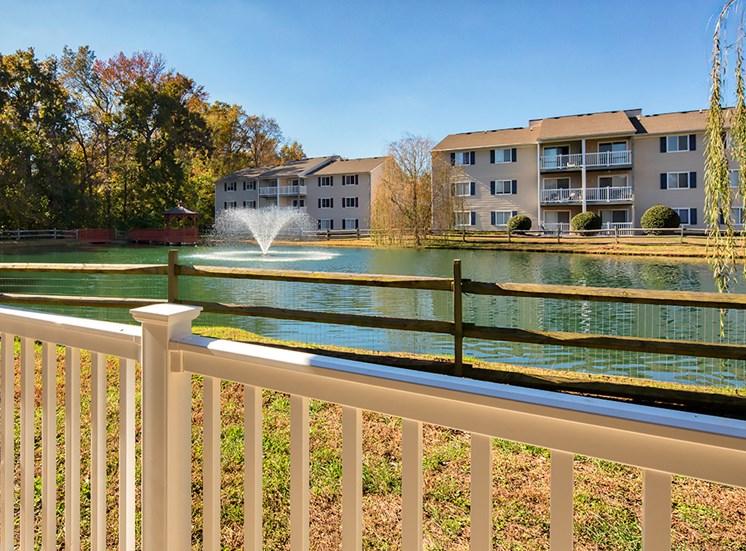 Lake Ridge Square Apartments in Ashland VA Lake