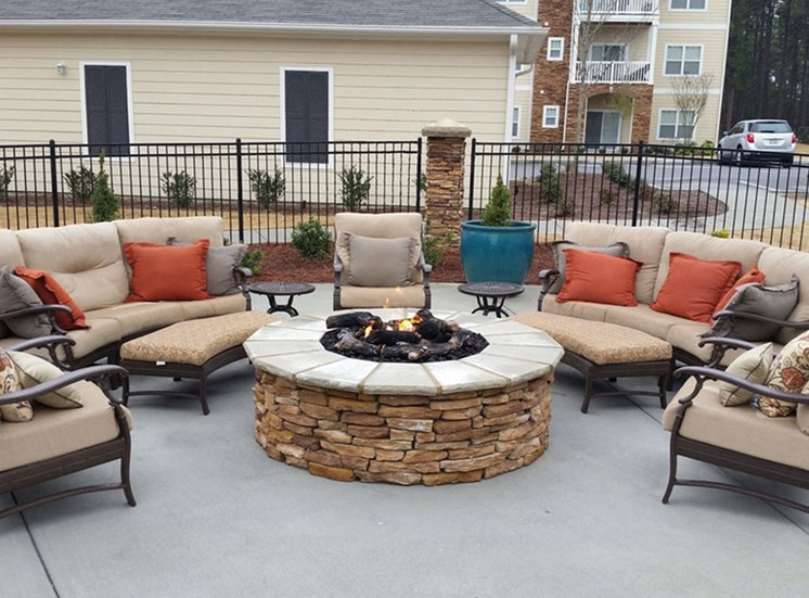 Fire Pit at Tylers Ridge at Sandhills Apartments