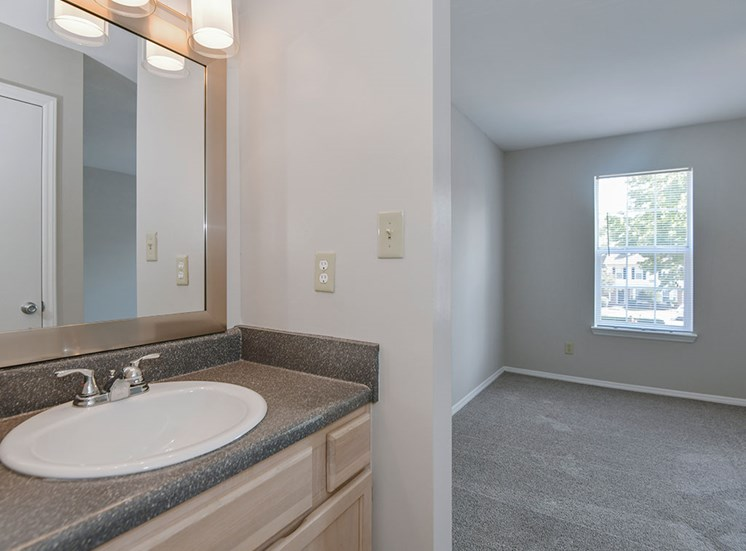 Fairgate-Apartments-Raleigh-NC-Bathroom-a