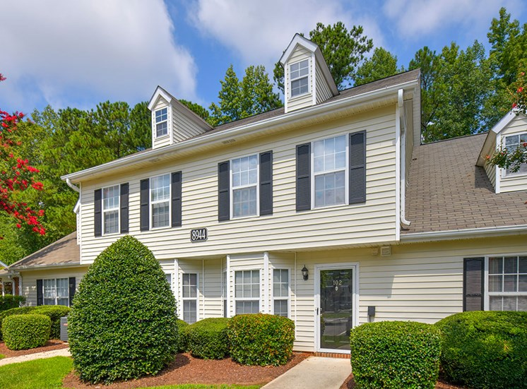 Fairgate-Apartments-Raleigh-NC-Building-Exterior-3