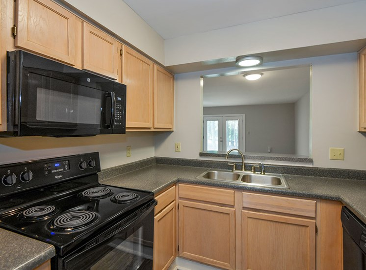 Fairgate-Apartments-Raleigh-NC-Kitchen-1