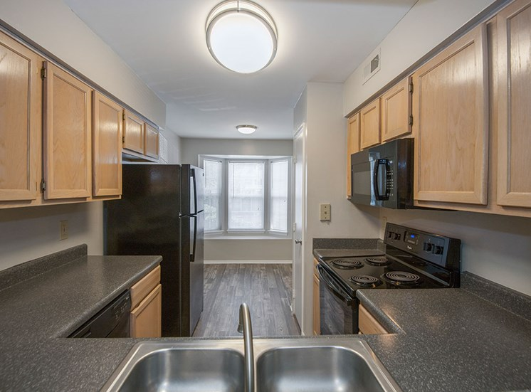 Fairgate-Apartments-Raleigh-NC-Kitchen-4