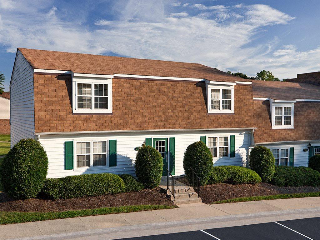 Exterior of Tanglewood Apartments in Petersburg VA