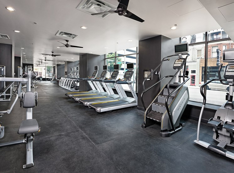 Fitness Center 4 at Deco at CNB apartments