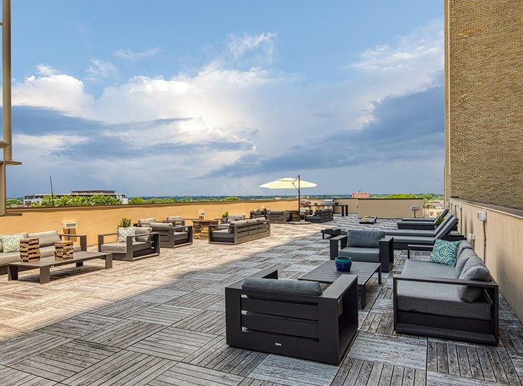 Rooftop_Patio_Deco_At_CNB
