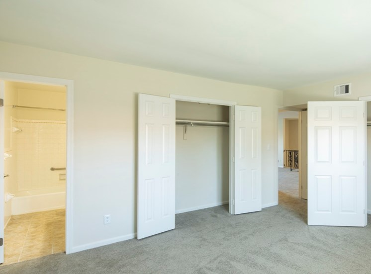 Bedrooms 1 at Haygood Hall apartments in Virginia Beach