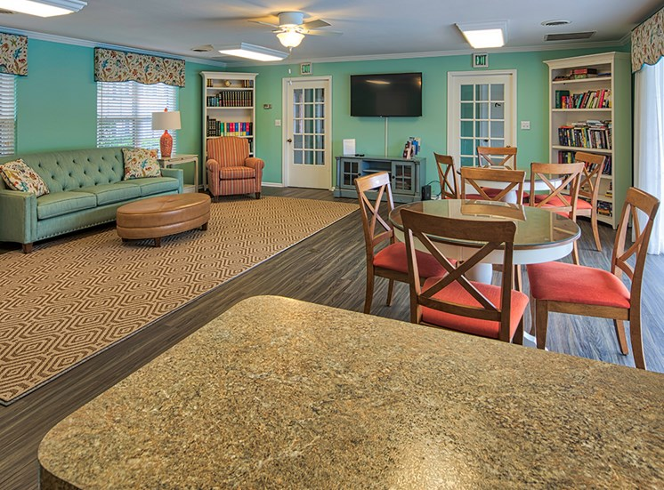 Haygood Halls Apartments in Virginia Beach Clubroom 2