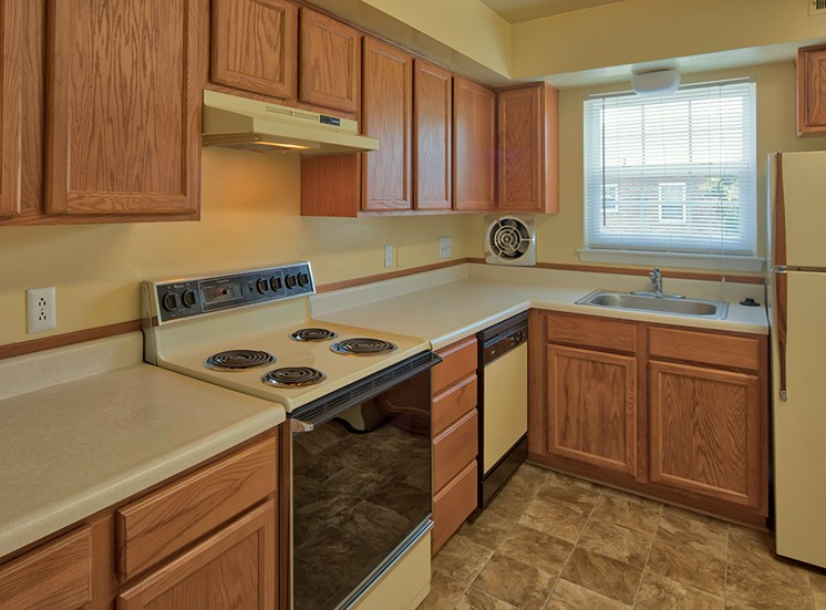 Senior Apartments in Virginia Beach Kitchen