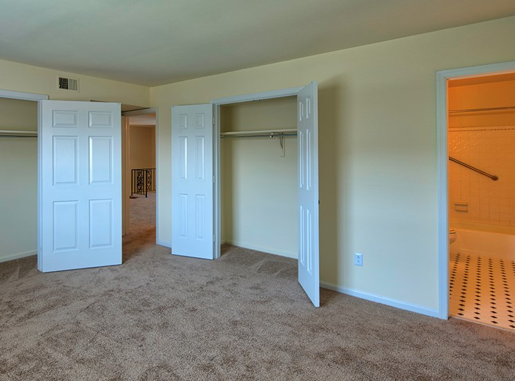 Age 55+ apartments in Virginia Beach Closet Space
