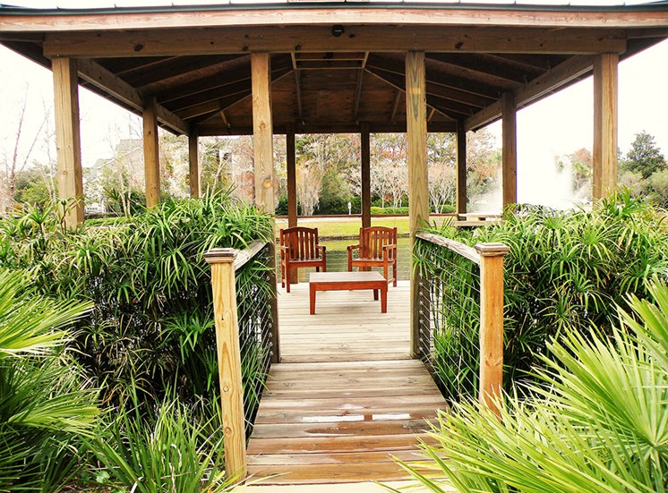 Gazebo at Heron Reserve Apartments
