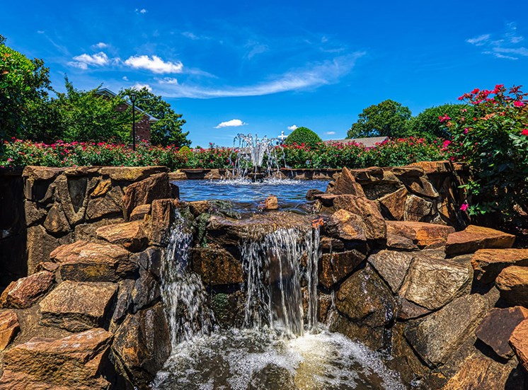 water feature at Holly Point Apartments in Chesapeake VA