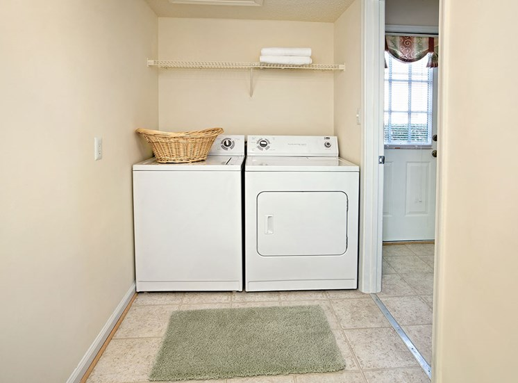 Full size washer and dryer at Holly Point Apartments