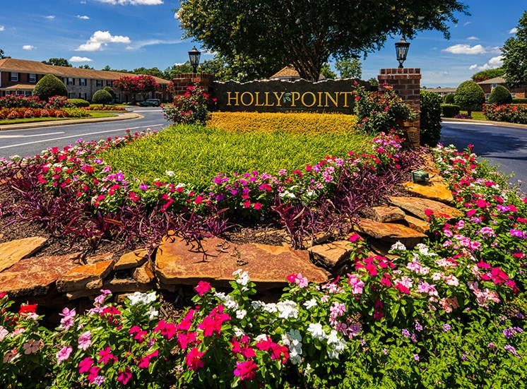 Sign at  Holly Point Apartments in Chesapeake VA