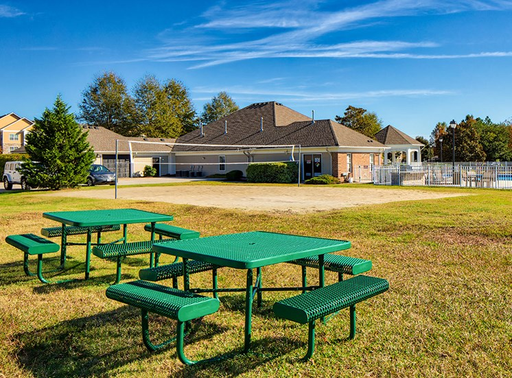 Picnic area at apartments in Virginia Beach VA