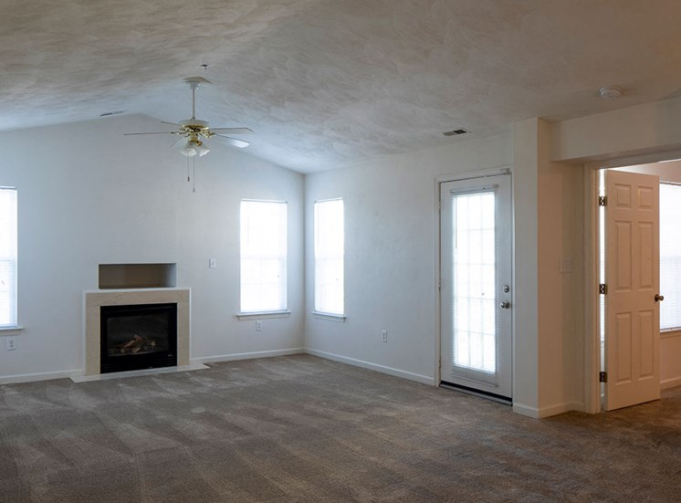 Vacant_Living_Room_Magnolia_Chase_