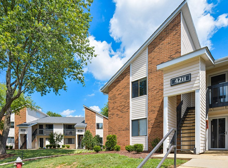 Green-Meadows-Apartements-Raleigh-NC-Building-Exterior