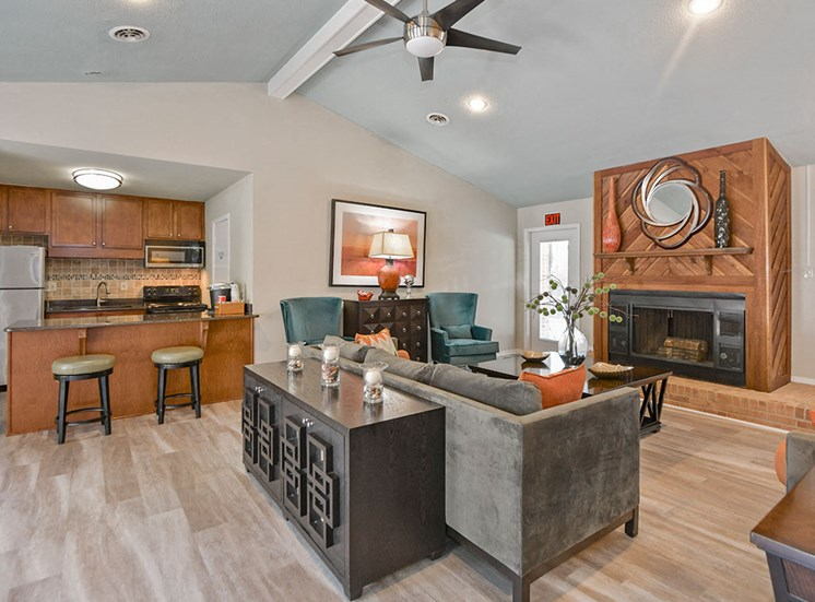 Green-Meadows-Apartements-Raleigh-NC-Clubhouse-Interior-3