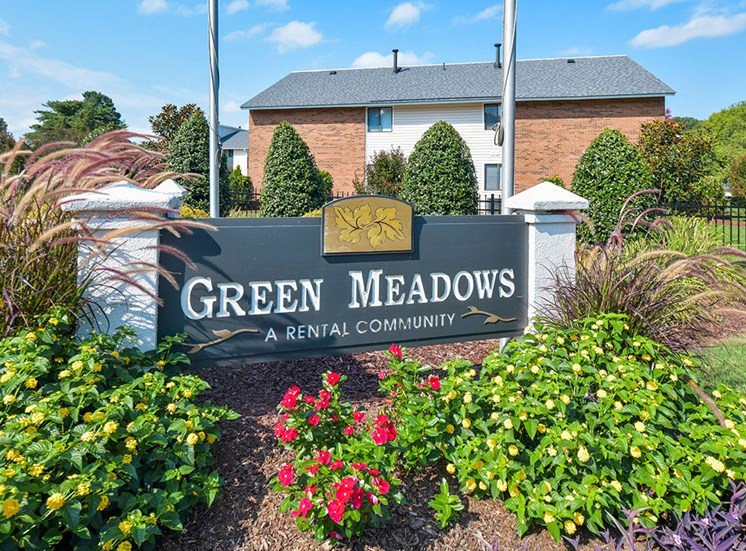 Green-Meadows-Apartements-Raleigh-NC-Monument-Sign-3
