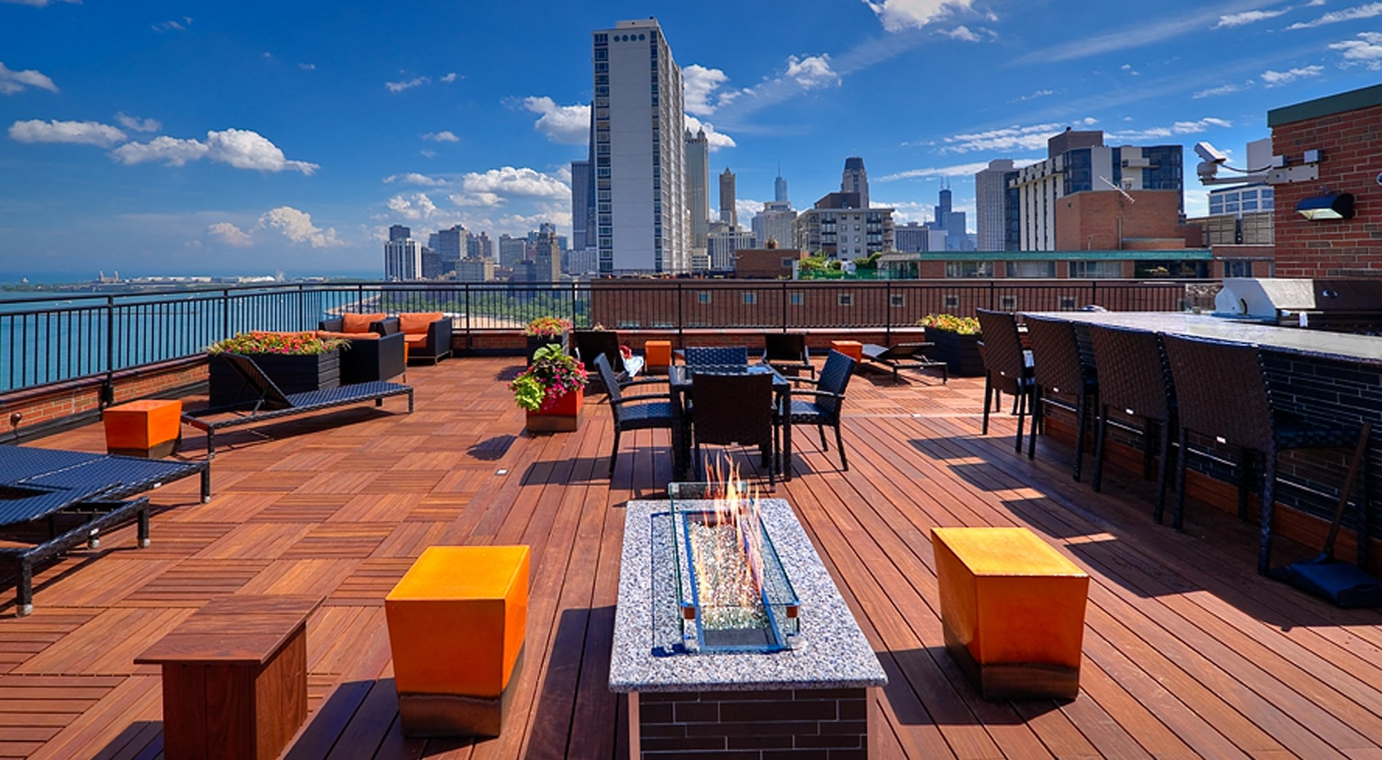 Apartments in Chicago For Rent | 1350 Lake Shore Drive 3