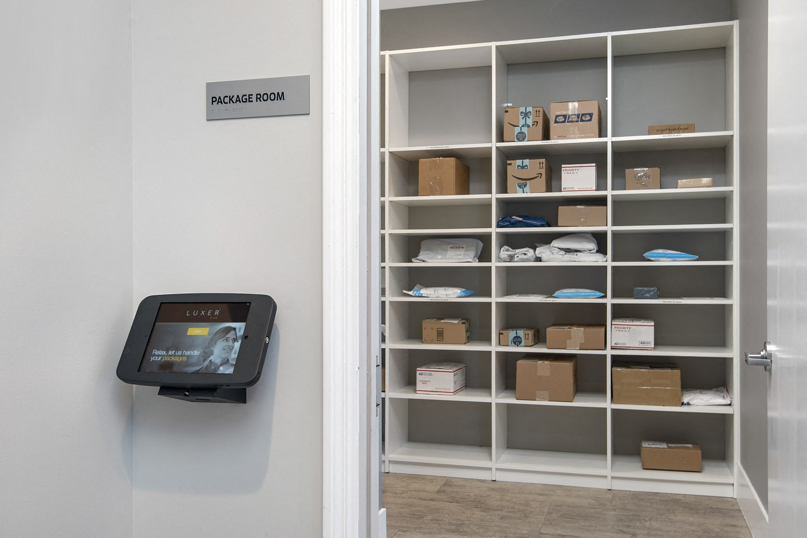 Package room for mail