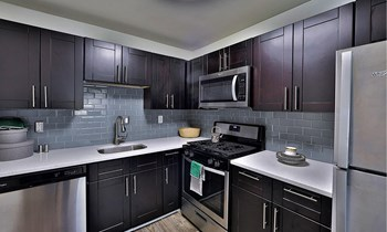 935 North Van Dorn St. Studio-3 Beds Apartment for Rent Photo Gallery 1