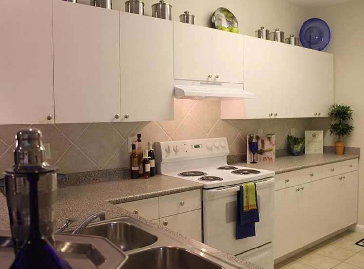 Kitchen at The Grove at Oakbrook Apartments
