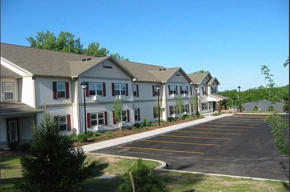 Elliotts Landing Apartments, 25 Linhome Drive, West ...