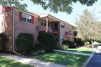 1166 S Cedar Crest Blvd 1-3 Beds Apartment for Rent Photo Gallery 1
